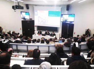 A Milano la Parrocchia Comunica, dunque Esiste