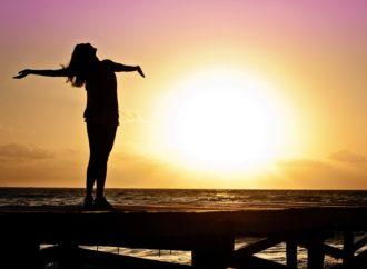 Sole, i consigli dell'esperto per difendere la pelle