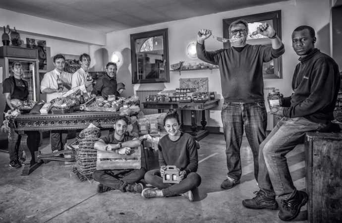 In Cascina Bullona la solidarietà a tavola