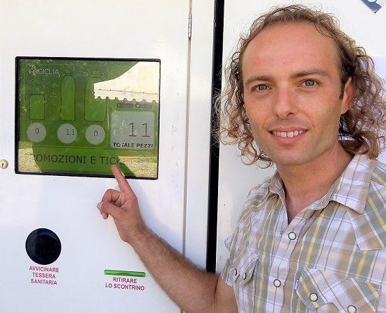 Nel Parco del Ticino c'è chi mangia e ricicla le bottiglie