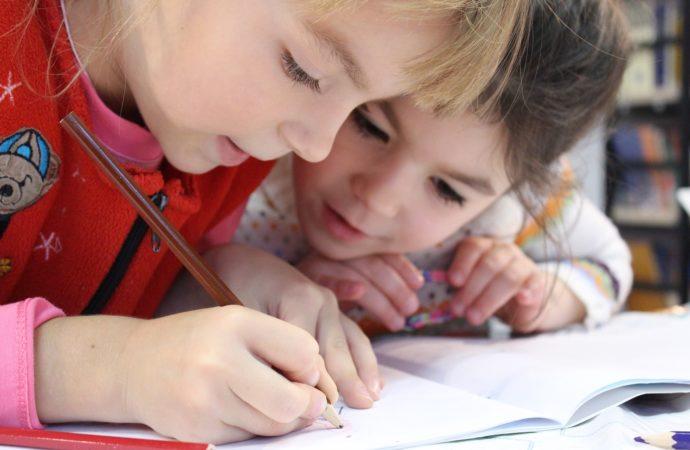 10 consigli utili ai genitori alle prese con la scuola