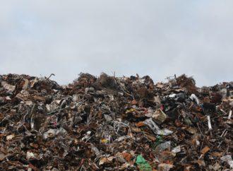 Indagine su stoccaggio, traffico di rifiuti e incendi