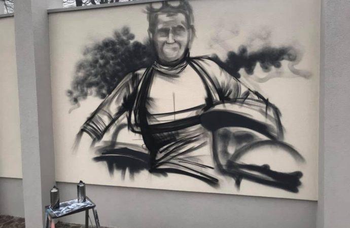Un murales di Cheone per ricordare il ciclista Ferrario